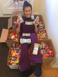 bridget-with-cash-at-2016-candy-buy-back